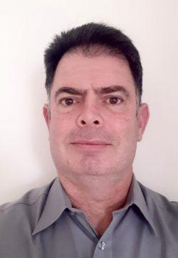 Portrait photograph of Avi Pinkas